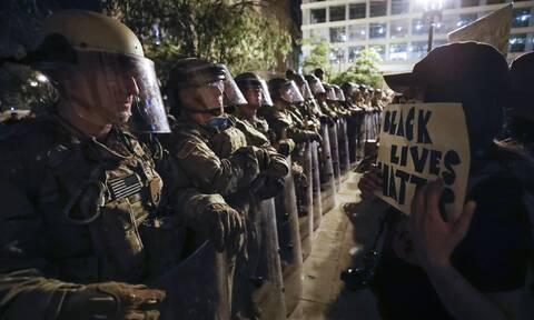 Κορονοϊός: Συναγερμός στις ΗΠΑ-Έφεδροι Εθνοφρουράς μολύνθηκαν σε διαδηλώσεις