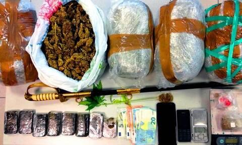 «Ντου» της ΕΛ.ΑΣ σε σπίτι με ναρκωτικά στο Βόλο