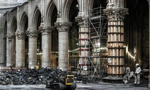 Παναγία των Παρισίων: Αφαιρούνται οι λιωμένες σκαλωσιές