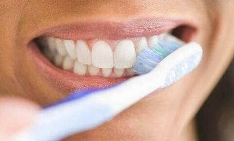 Έρευνα: To βούρτσισμα των δοντιών σώζει ζωές! Δες το γιατί