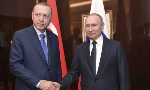 Επικοινωνία Πούτιν - Ερντογάν: Στο μενού Λιβύη και Συρία