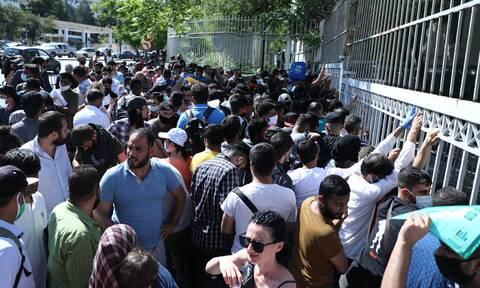Συνωστισμός στην Υπηρεσία Ασύλου-Προειδοποίηση Γώγου: «Είναι επικίνδυνο»