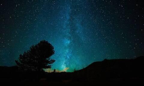Έγινε η νύχτα… μέρα: Μυστηριώδης «μπάλα φωτιάς» στον ουρανό
