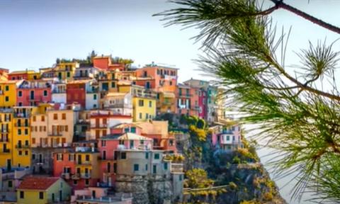 Ιταλικό Covid free χωριό πουλά σπίτια με 1 ευρώ - Η σχέση του με την Ελλάδα
