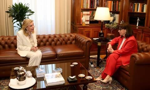 Στο Προεδρικό Μέγαρο η Μαριάννα Βαρδινογιάννη - Συνάντηση με την Αικατερίνη Σακελλαροπούλου