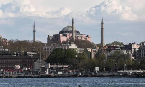 Αγία Σοφία: Νέα ασέβεια των Τούρκων - «Έχουμε πάρει ήδη τον ασβέστη»