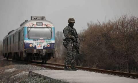 Έβρος: Τούρκοι στρατοχωροφύλακες διακινούν μετανάστες και πρόσφυγες