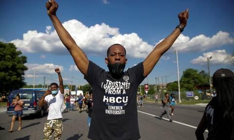 Ατλάντα: Παραιτήθηκε η αρχηγός της αστυνομίας μετά το θάνατο μαύρου άνδρα