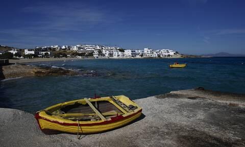 Το μαγικό ελληνικό καλοκαίρι: Οδοιπορικό στα νησιά μας