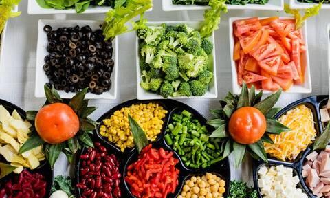 Διατροφικές συνήθειες που σε κάνουν να κολλάς πιο εύκολα ιούς