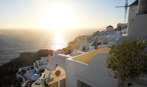 «Η Ελλάδα καλωσορίζει τους τουρίστες» - Ο ξένος Τύπος αποθεώνει τη χώρα μας