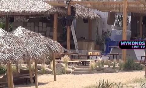 Μύκονος: Λουκέτο στο beach bar - Τα μάζεψαν οι ιδιοκτήτες (pics)