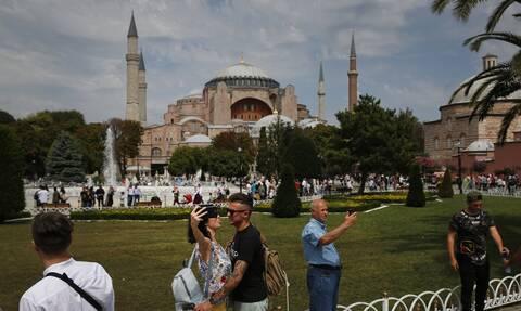 Μπαχτσελί: Η Αγία Σοφία να ανοίξει ως τόπος λατρείας των μουσουλμάνων