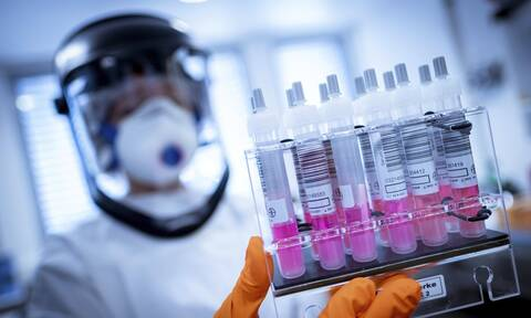 Κορονοϊός: Συμφωνία για την προμήθεια της Ευρώπης με το εμβόλιο του Πανεπιστημίου της Οξφόρδης
