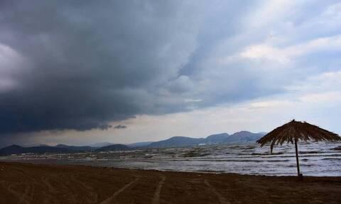 Καιρός: Βροχές και πτώση της θερμοκρασίας την Τρίτη