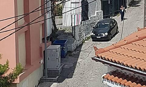 Εύβοια: Πανικός από την «τρελή» πορεία Ι.Χ. έξω από σχολείο (pics)