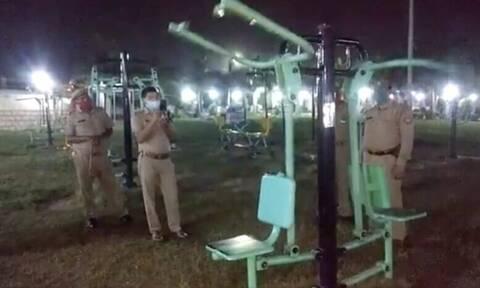 Viral: Η στιγμή που δυο «φαντάσματα» κάνουν γυμναστική (video)