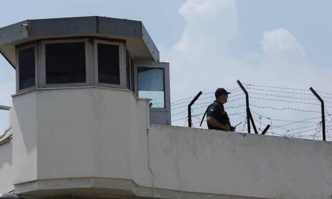 Συναγερμός στην ΕΛ.ΑΣ.: Απέδρασε κρατούμενος από τον Κορυδαλλό