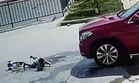 Βίντεο - ΣΟΚ: Αγοράκι «ξεγέλασε» το θάνατο