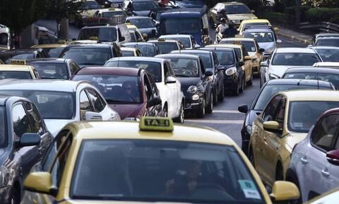 Κίνηση: «Κόλαση» στην Αθήνα - Ποιους δρόμους να αποφύγετε