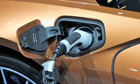 Οικονομία: Χωρίς τεκμήρια τα ηλεκτρικά ΙΧ