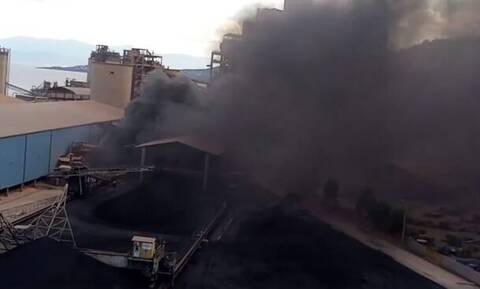 Βόλος: Μεγάλη πυρκαγιά σε τσιμεντοβιομηχανία