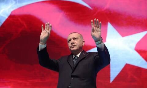 Deutsche Welle: Ο Ερντογάν διασταυρώνει τα ξίφη του με τους πάντες