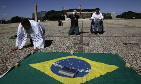 Κορονοϊός στη Βραζιλία: 1.238 νεκροί σε 24 ώρες - Τους 50.000 πλησιάζουν οι νεκροί