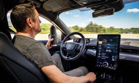 Η Ford θα φέρει από του χρόνου στους δρόμους την οδήγηση χωρίς… χέρια!