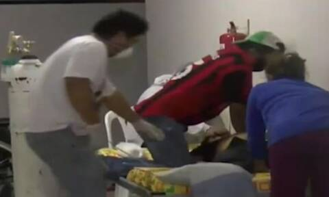 ΣΟΚ: Κανάλι έδειξε live ασθενή να πεθαίνει από κορονοϊο (pics)