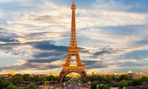 Παρίσι όπως… Ελλάδα: Δείτε τι σερβίρουν σε καφενείο της πόλης (video)