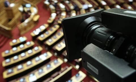 «Κόντρα» κυβέρνησης - ΣΥΡΙΖΑ για τη λίστα με τα ποσά που δόθηκαν στα ΜΜΕ