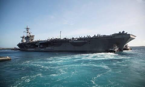 ΗΠΑ: Το Πολεμικό Ναυτικό επιβεβαίωσε την καθαίρεση του πλοιάρχου του «Th.Roosevelt»