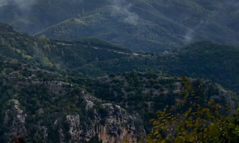 Συναγερμός για πτώση ηλικιωμένου σε χαράδρα στον Παρνασσό