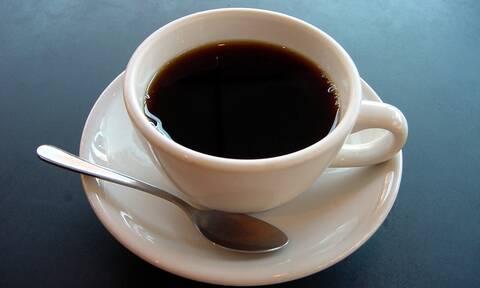 Τέλος ο πρωινός καφές! Tι πρέπει να πίνεις κάθε πρωί