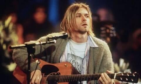Κερτ Κομπέιν: Ποσό ρεκόρ για την κιθάρα που είχε στο MTV Unplugged