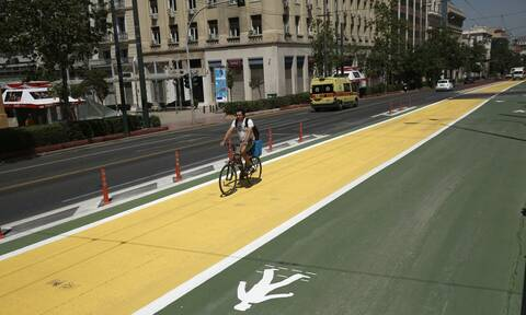 Μεγάλος Περίπατος της Αθήνας: Νέα σήμανση για ποδήλατα και πεζούς στην Πανεπιστημίου