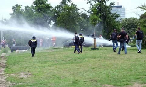 Ολλανδία: 400 συλλήψεις σε διαδήλωση κατά των μέτρων για τον κορονοϊό