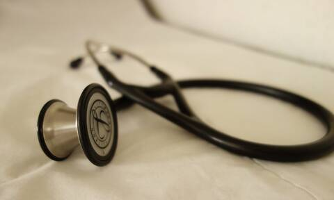 «Dr Θάνατος»: Αυτός είναι ο δικηγόρος που αποκάλυψε τον γιατρό-μαϊμού (vid)