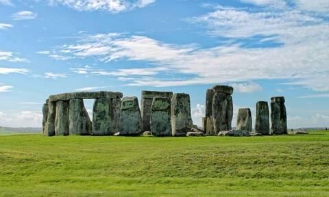 Βρετανία:«Μοναδική» νεολιθική δομή ανακαλύφθηκε κοντά στο Στόουνχεντζ