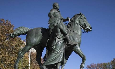 """В Нью-Йорке решили демонтировать """"расистский"""" памятник Теодору Рузвельту"""