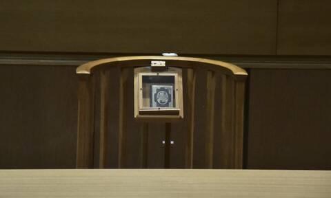 Σε νέα δίκη 62χρονη για τις «χειρονομίες» σε βάρος της 6χρονης εγγονής της