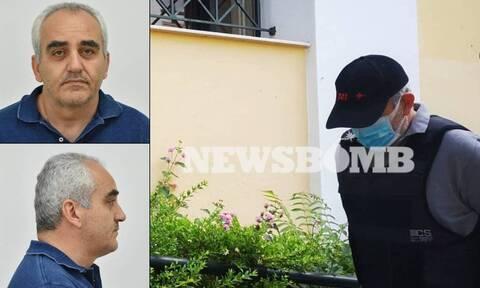 Ψευτογιατρός: Ο «βοτανολόγος» παραδέχτηκε ότι εξαπάτησε τα θύματα αλλά αρνήθηκε τις κατηγορίες