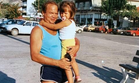 Ποια κούκλα Ελληνίδα παρουσιάστρια είναι το κοριτσάκι της φωτογραφίας;