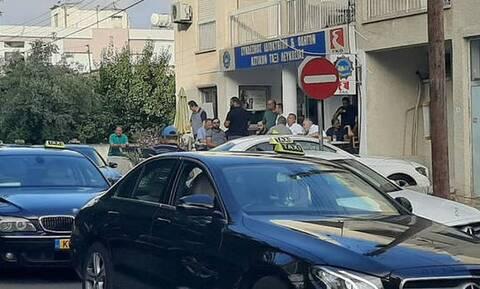 Κύπρος: Απεργούν οι οδηγοί ταξί - Ζητούν την οικονομική στήριξη του κράτους (vid)