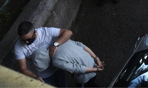 Μαρκέλλα: Ενώπιον της ανακρίτριας η 33χρονη - Φυγαδεύτηκε από το γκαράζ (vid)
