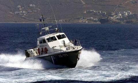 Καταδίωξη σκάφους με αλλοδαπούς στη Ρόδο - Συνελήφθη ο Τούρκος χειριστής