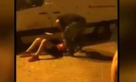 Βίντεο ντοκουμέντο: Πατέρας ξυλοκόπησε 12χρονο που τσακώθηκε με τον γιο του