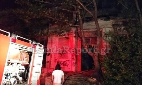 Φωτιά στα Καμένα Βούρλα: Πυρκαγιά σε εγκαταλελειμμένο ξενοδοχείο