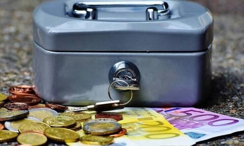 ΟΠΕΚΑ: Αντίστροφη μέτρηση για τις αιτήσεις πολύτεκνων - Πώς θα πάρετε έως 1.000 ευρώ